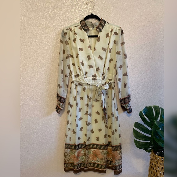 Dresses & Skirts - Vintage 60's/70's Paisley Ivory Sheer Dress